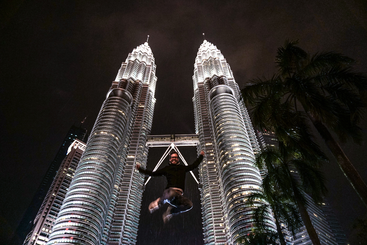 Petronas Twin Towers Berni Jumping