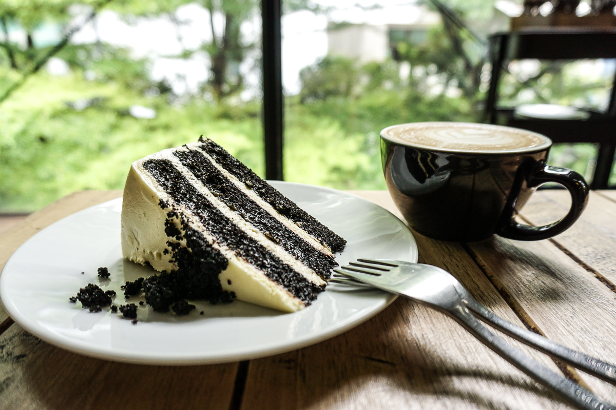 VCR Cafe Cake