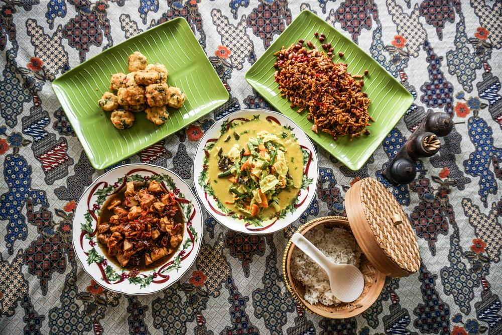 Warung Jegeg Balinese Mix