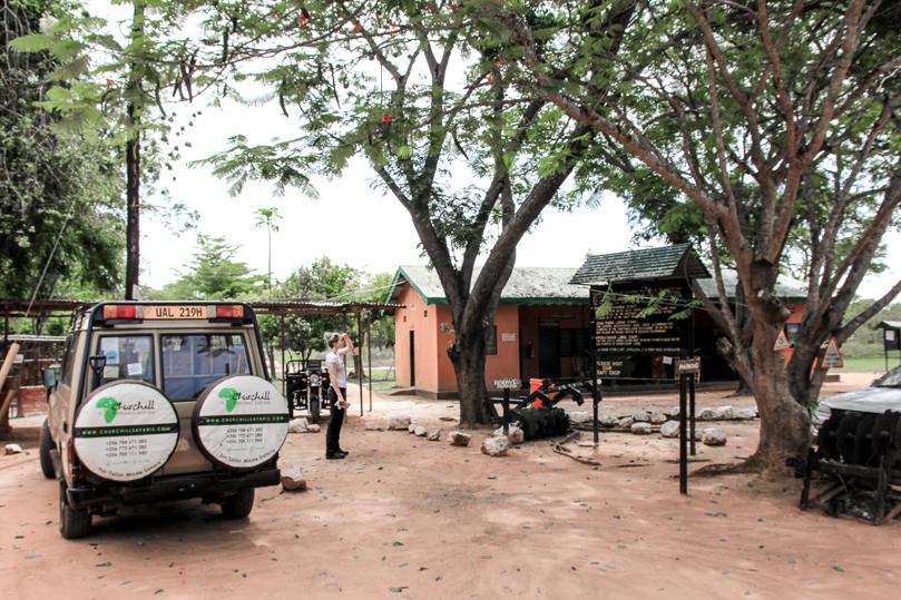 car-churchill-safaris-big-five-safari-uganda